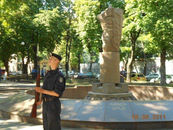 В центре Одессы БТР «Беркута» и ГАИ (фото), фото-7