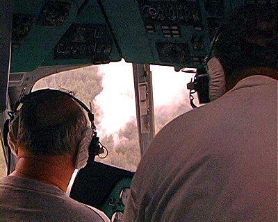 Во время патрулирования территории Луганской области вертолет обнаружил два пожара (фото), фото-1
