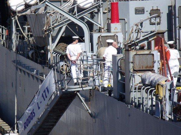 Сегодня в Одесский порт зашел еще один военный корабль из Средиземноморья (фото), фото-2