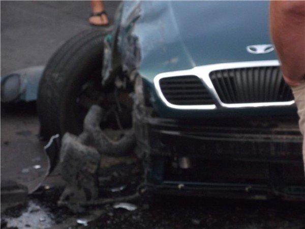 Большая авария по ул.Марсельская. Пострадали люди на остановке. (фото), фото-2