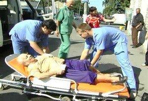 В Одессе женщина упала в открытый канализационный люк (фото), фото-1
