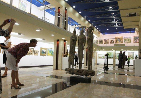 В Донецке открыли выставочный центр «АртДонбасс» (фото), фото-7