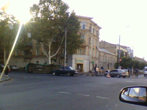 Вчера в Одессе произошло очередное ДТП с участием маршрутки (фото), фото-1
