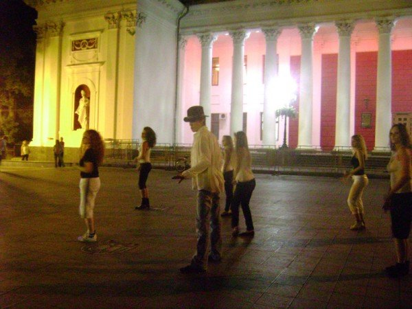 Под Одесским горсоветом устроили флешмоб (фото), фото-3