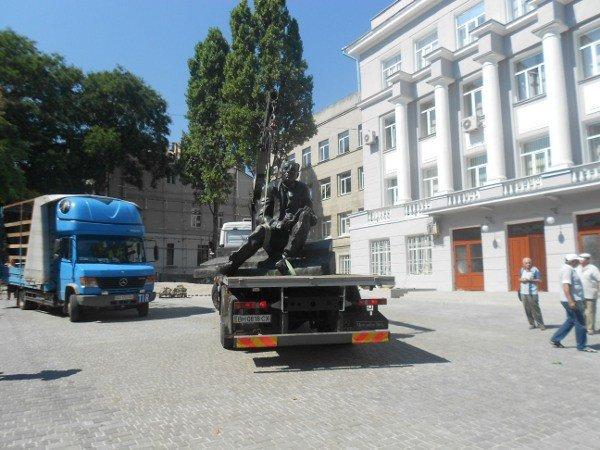 В Одессе устанавливают памятник Бабелю (фоторепортаж), фото-4