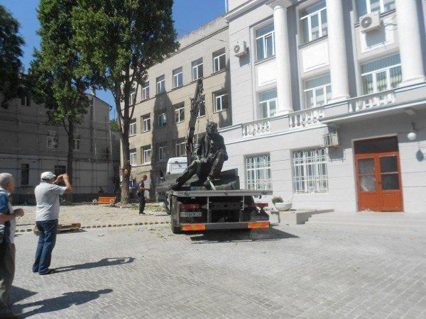В Одессе устанавливают памятник Бабелю (фоторепортаж), фото-2