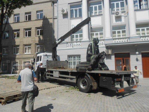 В Одессе устанавливают памятник Бабелю (фоторепортаж), фото-5