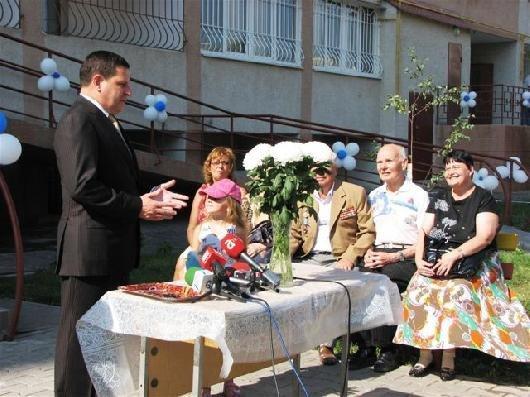 Костусев обрадовал новоселов на поселке Котовского (фото), фото-3