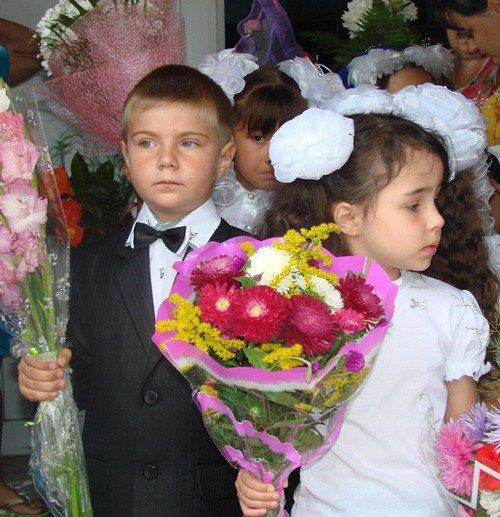 Депутат решил подарить крымским школьникам весь мир (фото), фото-3