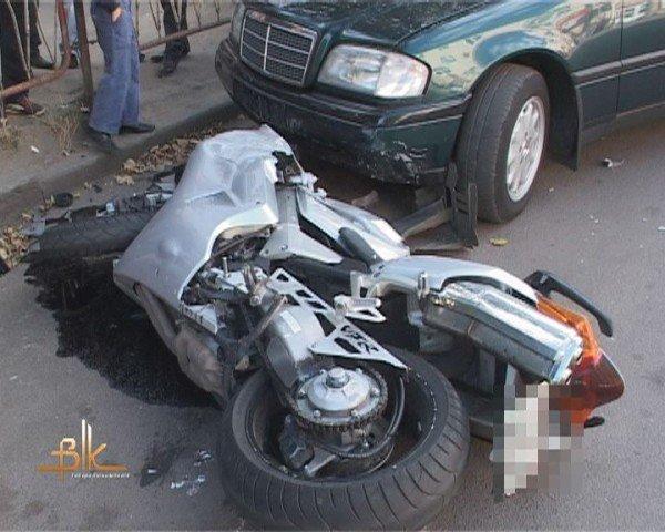 """ДТП в Бердичеві,  мотоцикл зіткнувся з """"копійкою"""", фото-1"""