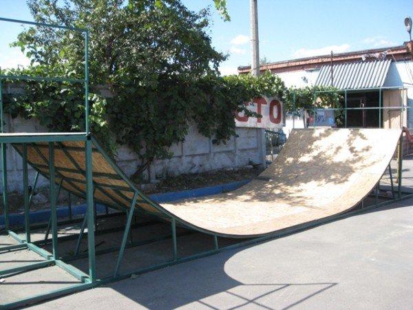 Для горловской молодежи на площади Революции установят  скейт-площадку (фото), фото-1