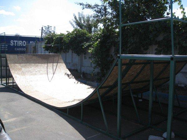 Для горловской молодежи на площади Революции установят  скейт-площадку (фото), фото-2