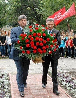 Памятник Пархоменко в Луганске перенесен на новое место (фото), фото-3