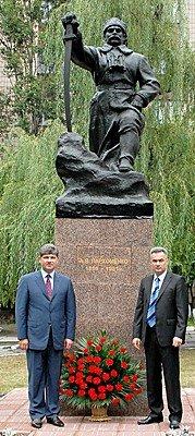 Памятник Пархоменко в Луганске перенесен на новое место (фото), фото-4