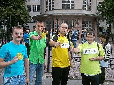 В Луганске провели акцию «Желтая карточка украинской милиции: второе предупреждение» (фото), фото-1