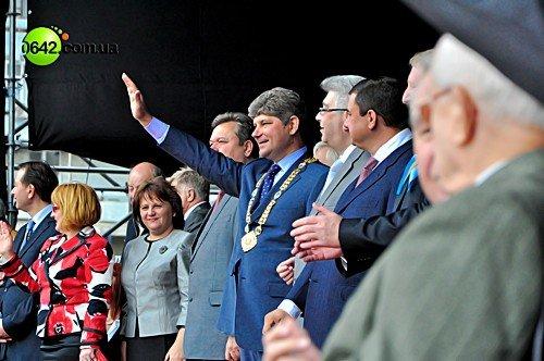 Праздничное шествие открыло торжественные мероприятия посвященные 216-й годовщине Луганска (фото), фото-3