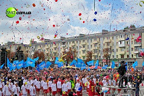 Праздничное шествие открыло торжественные мероприятия посвященные 216-й годовщине Луганска (фото), фото-4