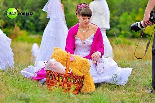 В День города состоялся первый в Луганске «Парад невест» (фото), фото-6