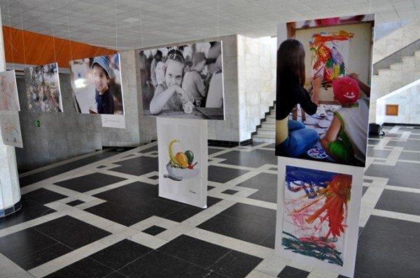 В Симферополе открылась благотворительная фотовыставка (фото), фото-3