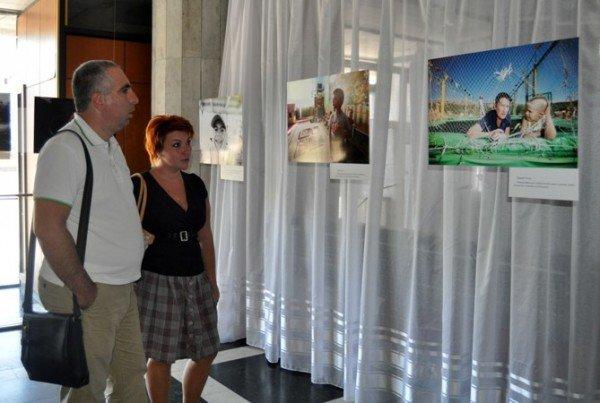 В Симферополе открылась благотворительная фотовыставка (фото), фото-4
