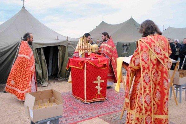Украинских военнослужащих крестили в Черном море (фото), фото-6