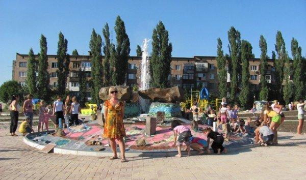 Горловские художники осчастливили енакиевских малышей, фото-4