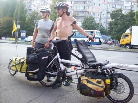 Английские путешественники приехали в Одессу на чудо-машине (фотофакт), фото-2