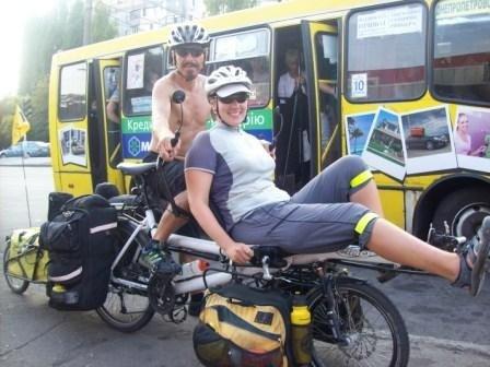 Английские путешественники приехали в Одессу на чудо-машине (фотофакт), фото-3