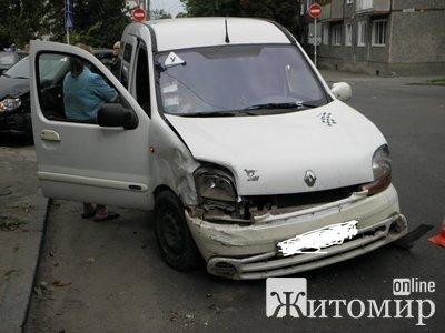Дві жінки-водійки не розминулися на перехресті. Фото, фото-1