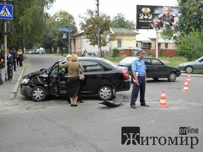 Дві жінки-водійки не розминулися на перехресті. Фото, фото-3