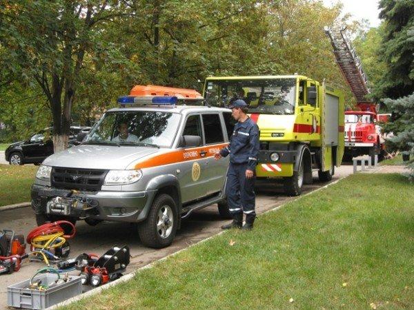 Горловские спасатели принимали присягу и демонстрировали свою технику (фото), фото-10