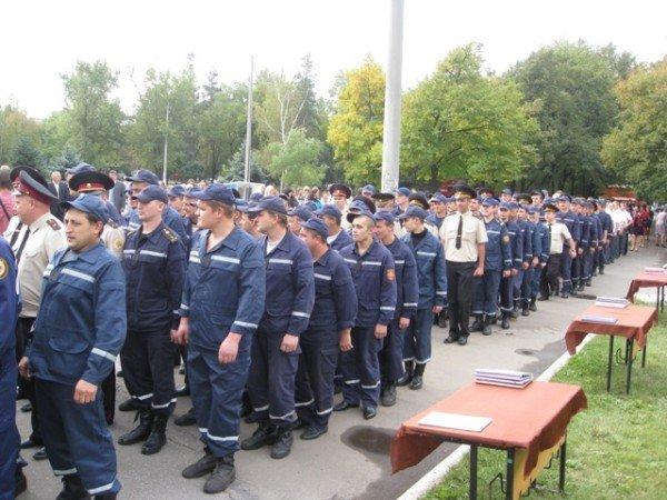 Горловские спасатели принимали присягу и демонстрировали свою технику (фото), фото-2