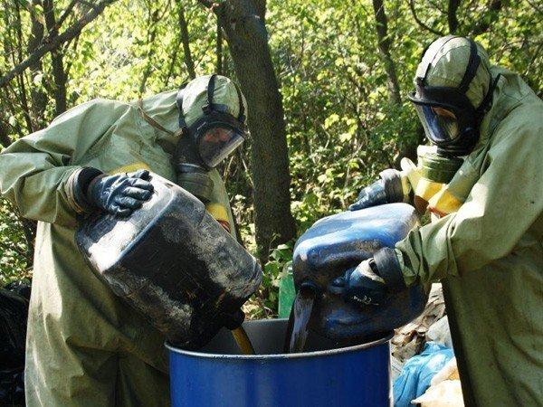 Запорожские спасатели обезвредили опасные ядохимикаты  (ФОТО), фото-3