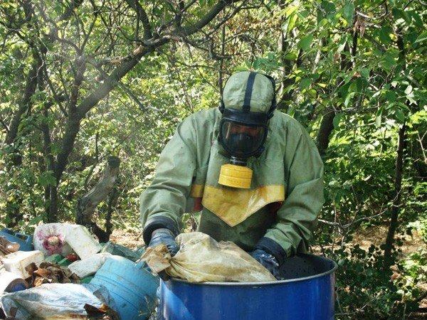 Запорожские спасатели обезвредили опасные ядохимикаты  (ФОТО), фото-5