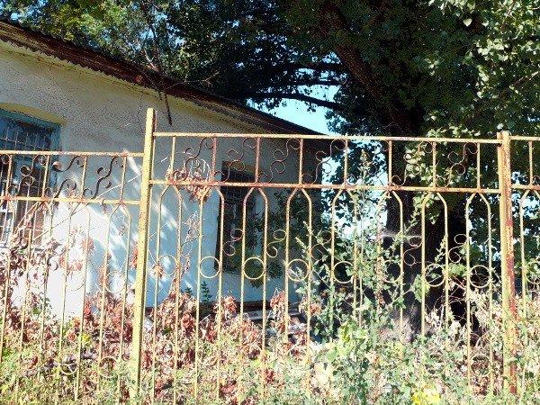 В Луганске в здание бывшего детсада поселилась церковь, фото-3