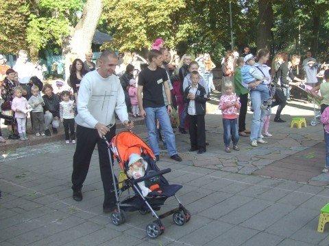 На вихідних в Житомир на родинне свято прилітав лелека з дарунками (ФОТО), фото-2