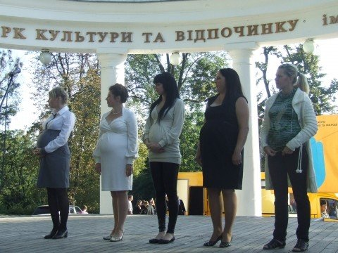 На вихідних в Житомир на родинне свято прилітав лелека з дарунками (ФОТО), фото-8