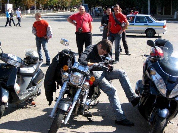 В Горловке почтили память байкерши «Никиты», сбитой сыном чиновника на «Бентли», и других мотоциклистов  (фото+видео)), фото-1