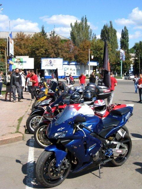 В Горловке почтили память байкерши «Никиты», сбитой сыном чиновника на «Бентли», и других мотоциклистов  (фото+видео)), фото-2