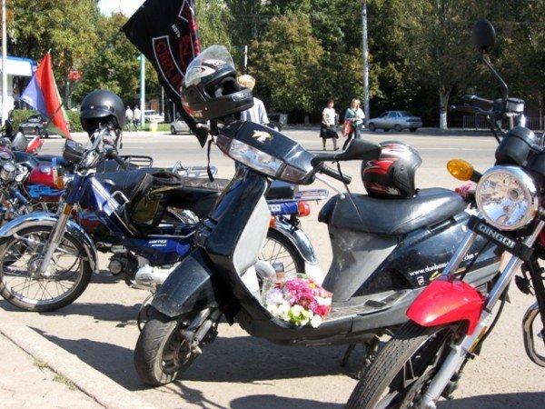 В Горловке почтили память байкерши «Никиты», сбитой сыном чиновника на «Бентли», и других мотоциклистов  (фото+видео)), фото-3
