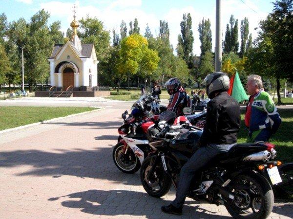 В Горловке почтили память байкерши «Никиты», сбитой сыном чиновника на «Бентли», и других мотоциклистов  (фото+видео)), фото-6