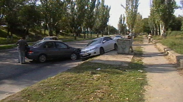 Хонда столкнулась с Митсубиси, фото-2