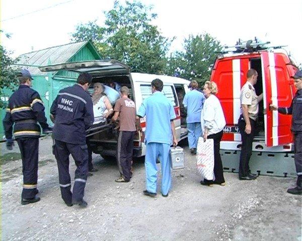 В Луганске 87-летняя старушка провалилась в погреб (фото), фото-2
