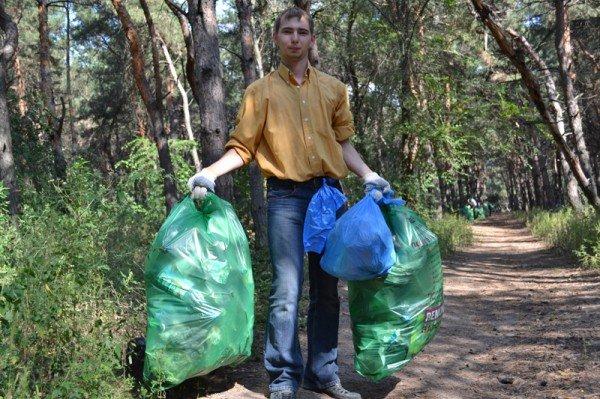 Активисты молодежного городского совета боролись с мусором на Великом Лугу  (ФОТО), фото-3