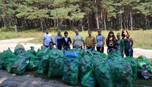 Активисты молодежного городского совета боролись с мусором на Великом Лугу  (ФОТО), фото-5