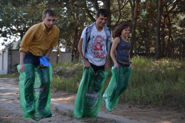 Активисты молодежного городского совета боролись с мусором на Великом Лугу  (ФОТО), фото-6
