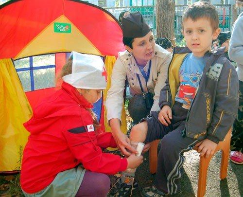 Горловские малыши  боролись с террористами (фото), фото-4