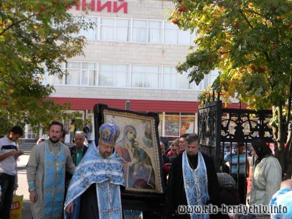 В Бердичів прибула ікона Божої Матері «Страсна». Фото, фото-7