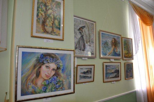 В Симферополе открылась художественная выставка «За каждый миг благодарю» (ФОТО), фото-1