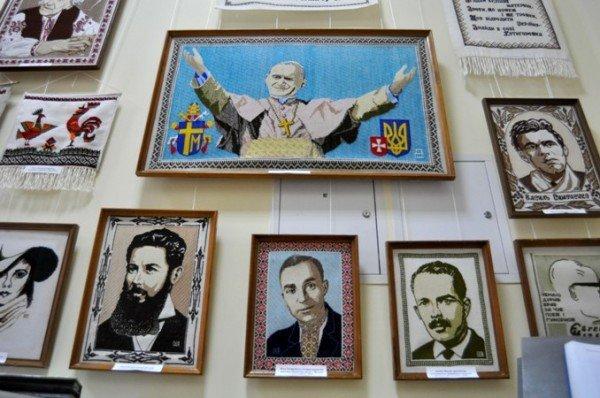 Симферопольцам открыли «Штрихи истории Украины в вышитом портрете» (фото), фото-3
